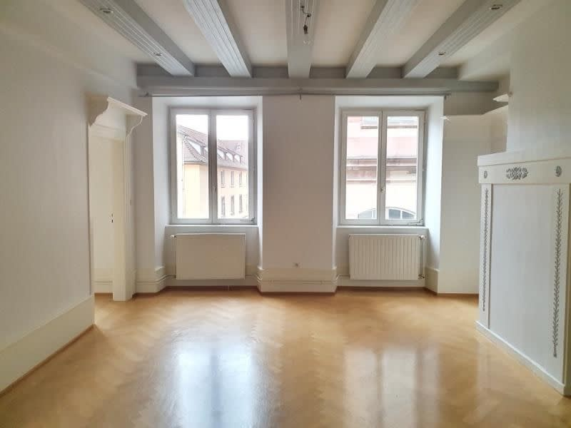 Rental apartment Strasbourg 1350€ CC - Picture 2