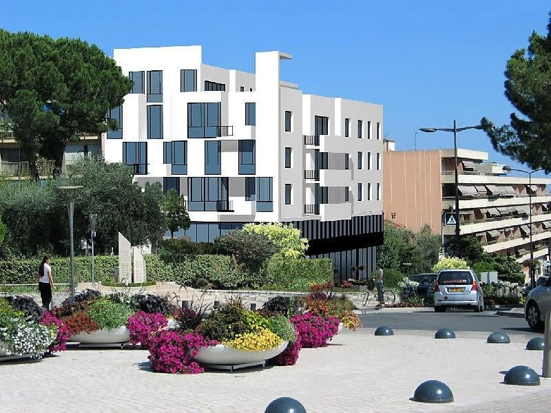 Deluxe sale apartment Vence 334600€ - Picture 1