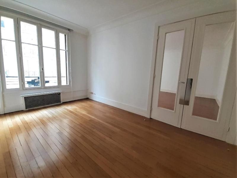 Location appartement Paris 16ème 5729€ CC - Photo 8