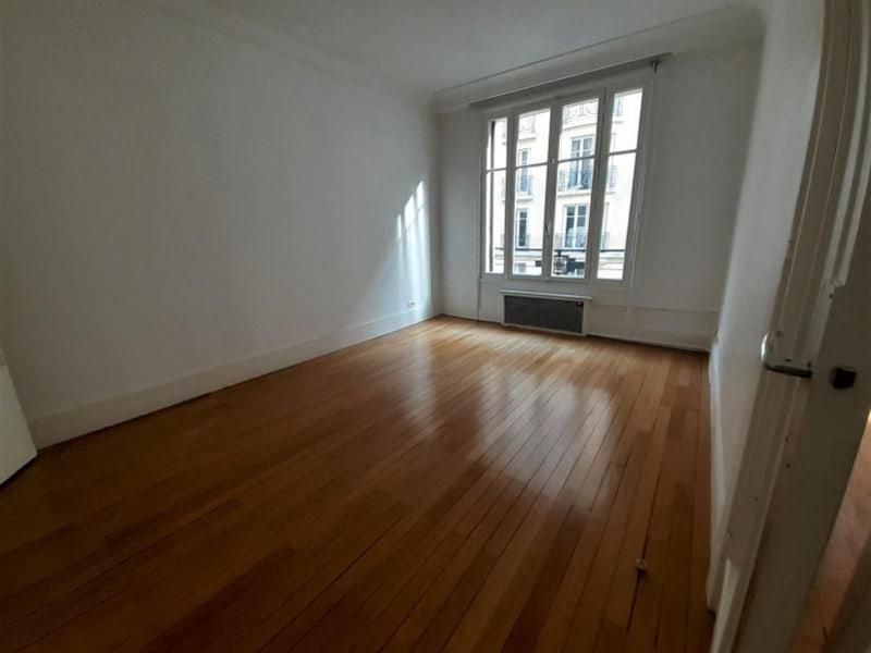Location appartement Paris 16ème 5729€ CC - Photo 10
