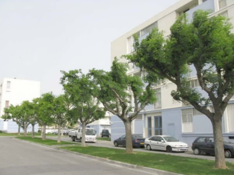 Sale apartment Marignane 105 000€ - Picture 1