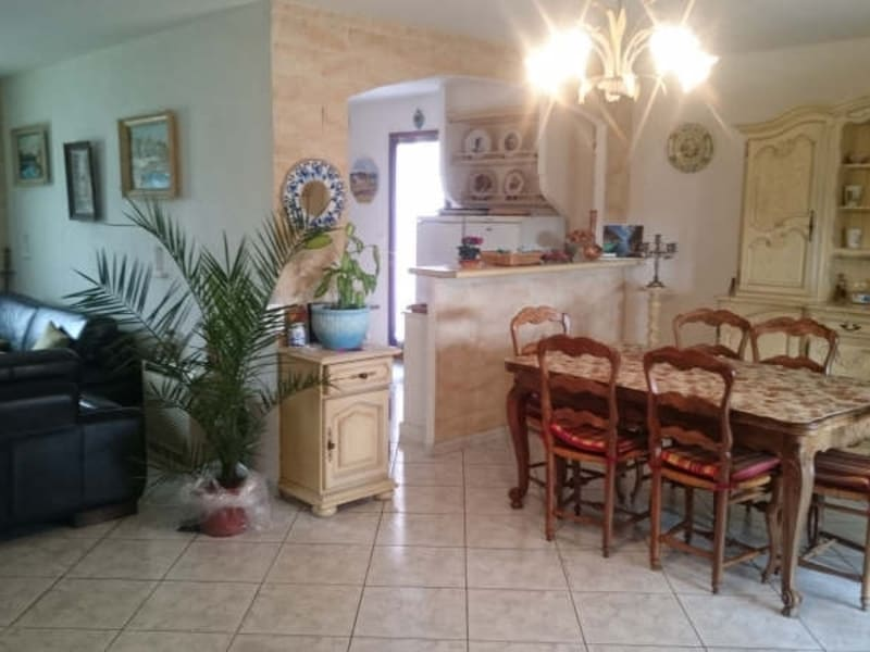 Sale house / villa Vitrolles 318 000€ - Picture 4