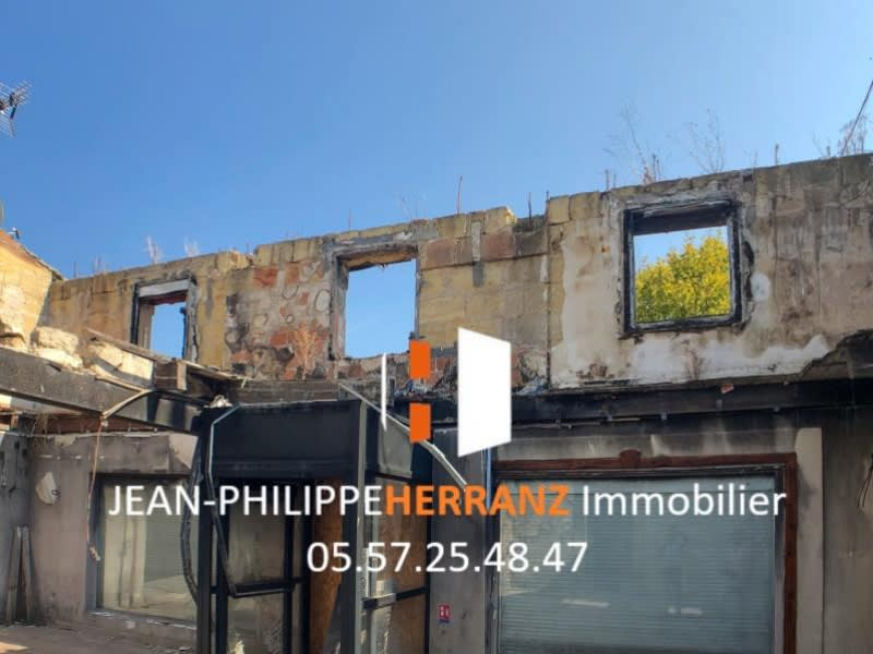 Sale building Coutras 61 000€ - Picture 1