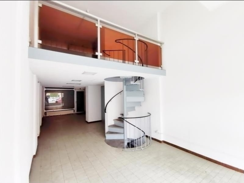 Sale empty room/storage Cluses 110000€ - Picture 1