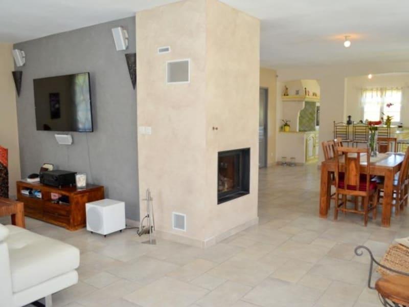Sale house / villa Le thor 399000€ - Picture 2