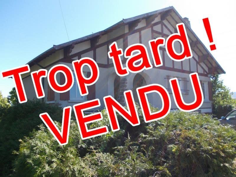 Sale house / villa Riorges 242000€ - Picture 1