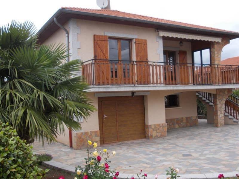Sale house / villa Le coteau 220000€ - Picture 2