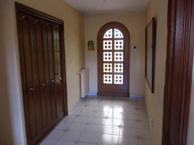 Sale house / villa Le coteau 220000€ - Picture 6