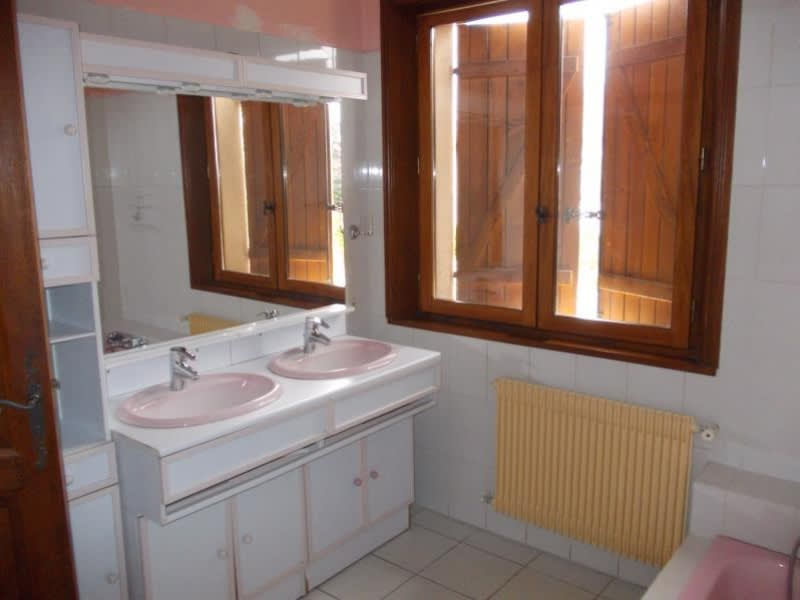 Sale house / villa Le coteau 220000€ - Picture 9