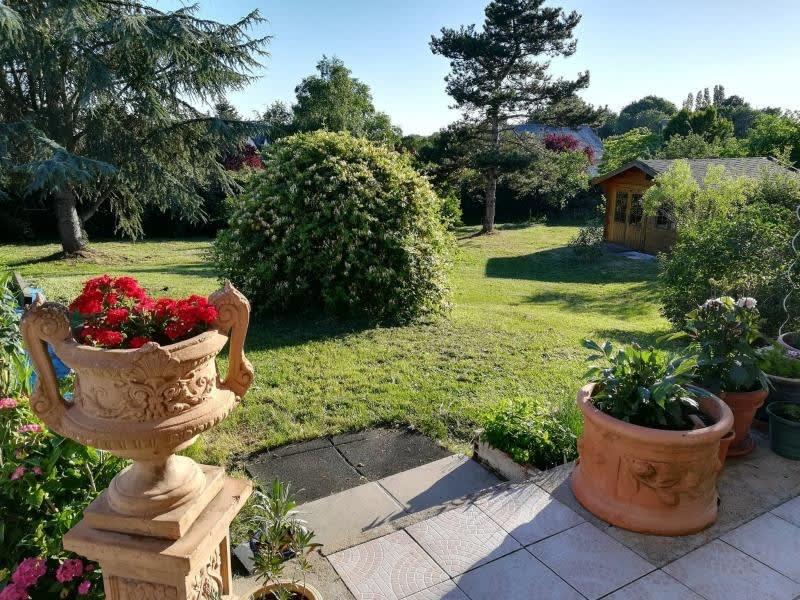 Sale house / villa St etienne de montluc 350000€ - Picture 1