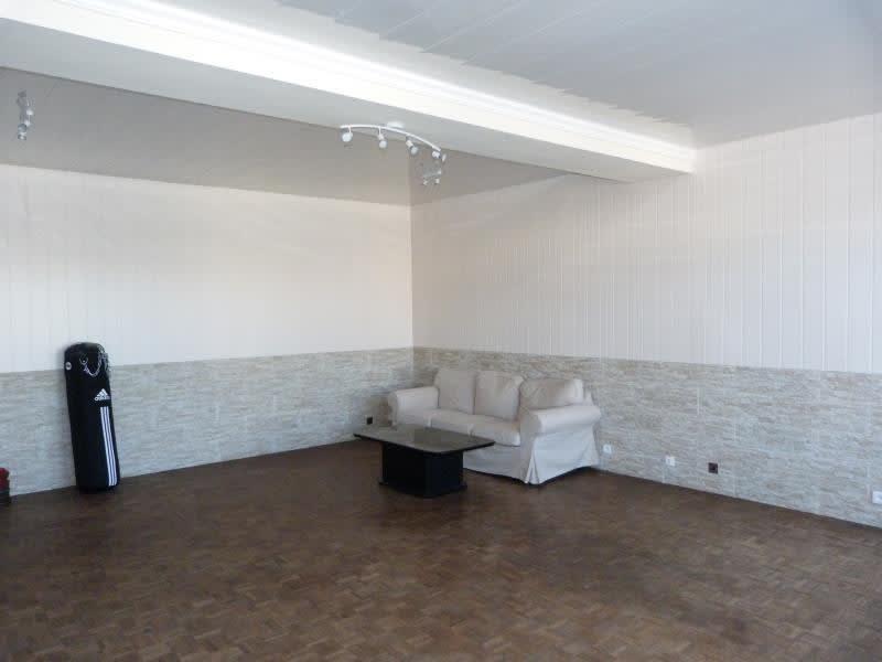 Sale house / villa Chateau-renard 140000€ - Picture 3