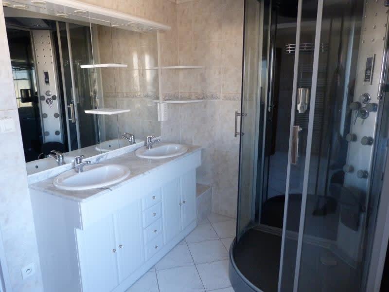 Sale house / villa Chateau-renard 140000€ - Picture 6