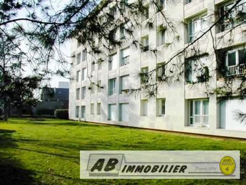 Rental apartment Poissy 1 100€ CC - Picture 1