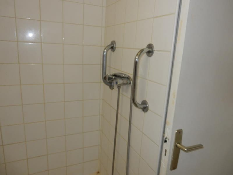 Rental apartment Fontaine 556€ CC - Picture 8