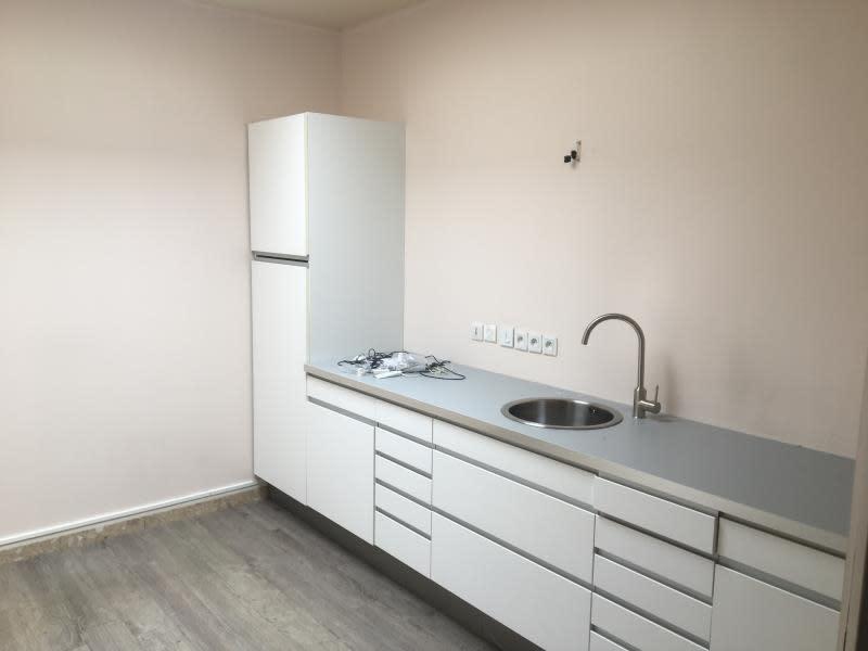 Sale empty room/storage Beauchamp 840000€ - Picture 5