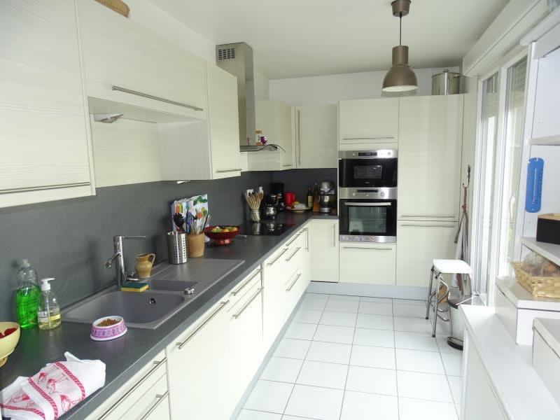 Sale apartment Eragny 300000€ - Picture 3