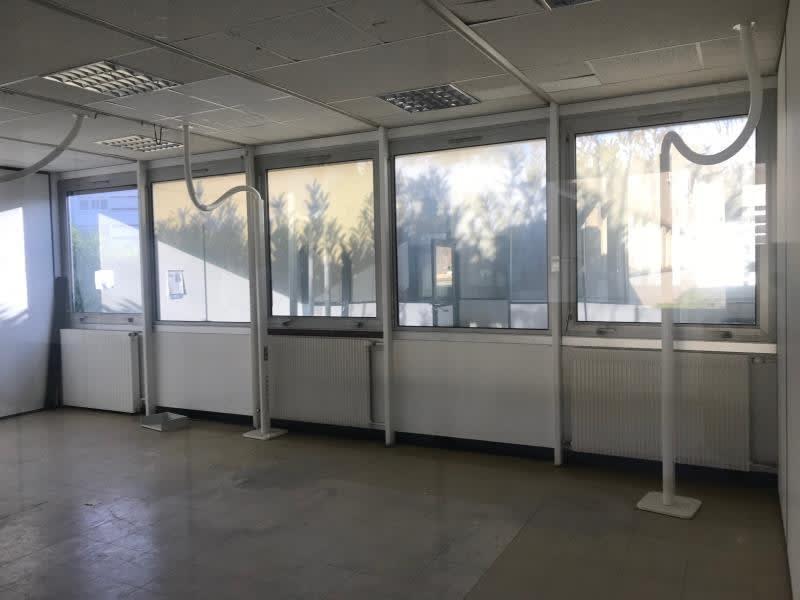 Location bureau Menilles 1500€ HC - Photo 5