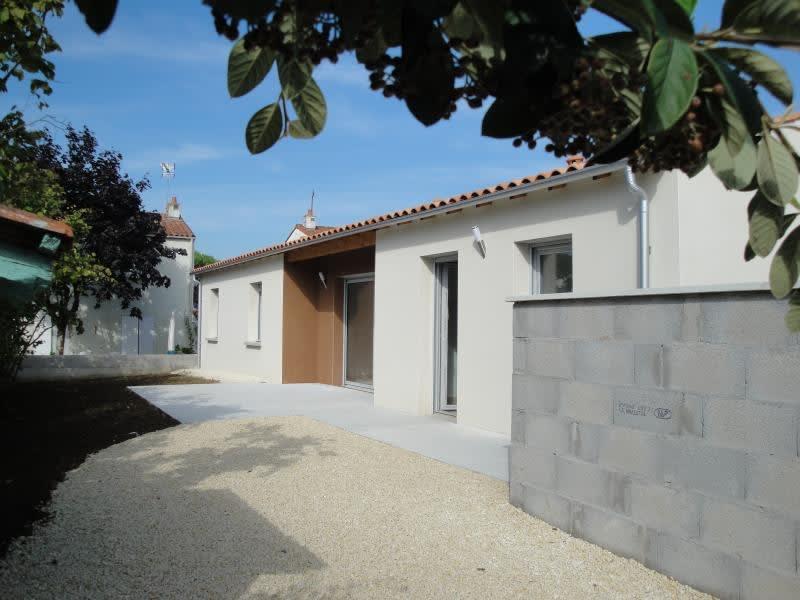 Rental house / villa Niort 835€ CC - Picture 1