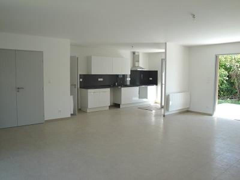 Rental house / villa Niort 835€ CC - Picture 3