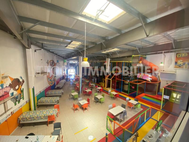 Commercial property sale shop Saint pierre 332 500€ - Picture 2