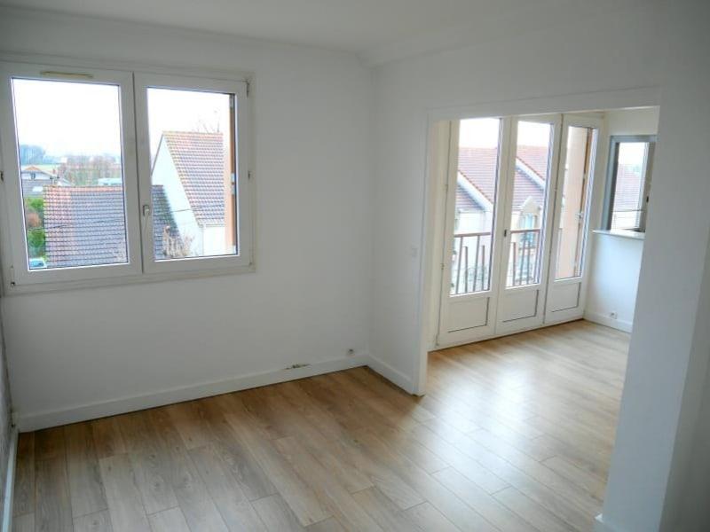 Rental apartment Le raincy 903€ CC - Picture 4