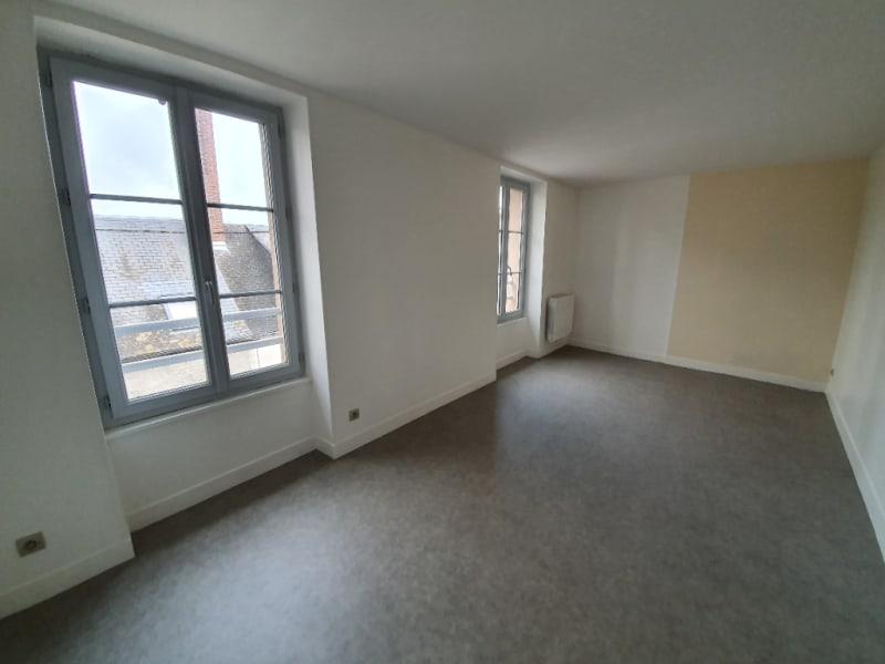 Location appartement Henrichemont 400€ CC - Photo 4