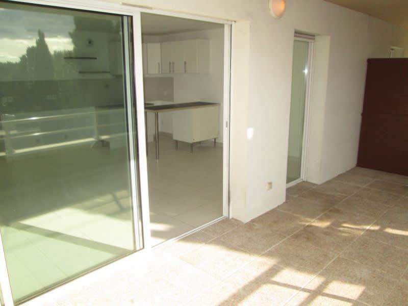 Location appartement Sete 936€ CC - Photo 1