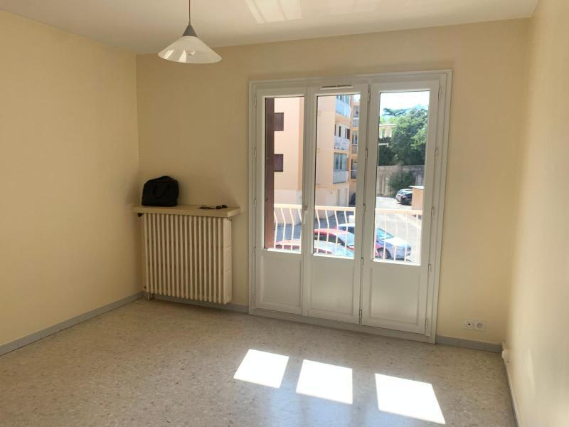 Rental apartment Aix en provence 640€ CC - Picture 3