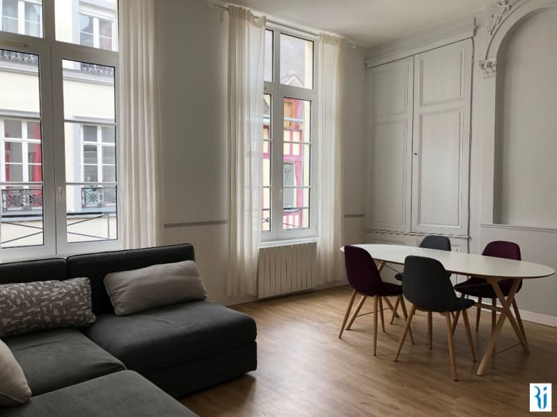 Location appartement Rouen 893€ CC - Photo 1