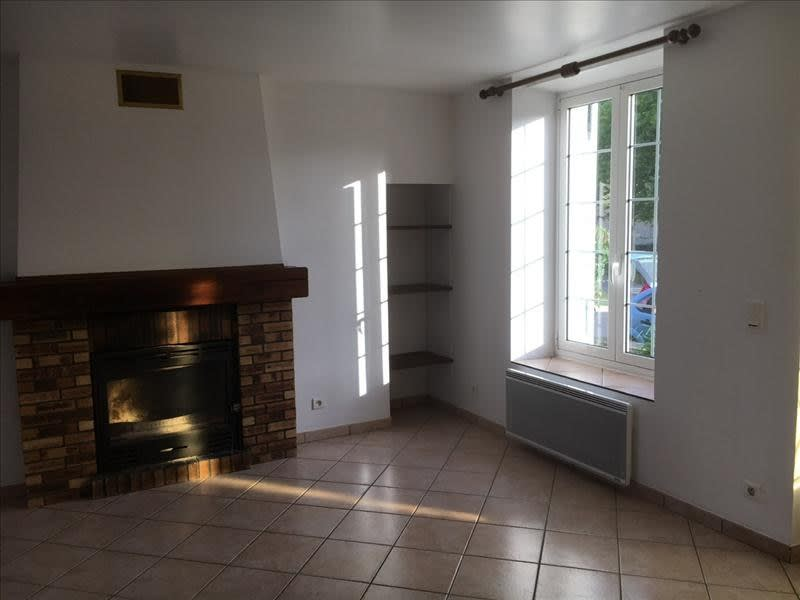 Location maison / villa Marolles 690€ CC - Photo 3