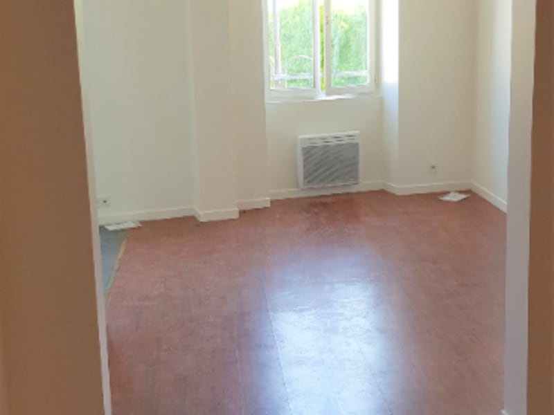 Location appartement Montlhéry 750€ CC - Photo 1