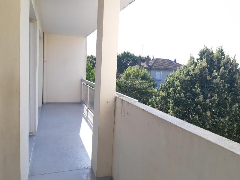 Location appartement Villefranche sur saone 751€ CC - Photo 10