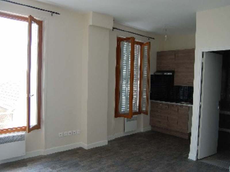 Rental apartment Athis mons 532,45€ CC - Picture 2