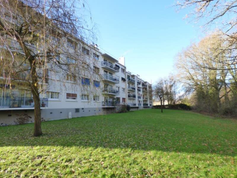 Sale apartment Les essarts le roi 150000€ - Picture 1