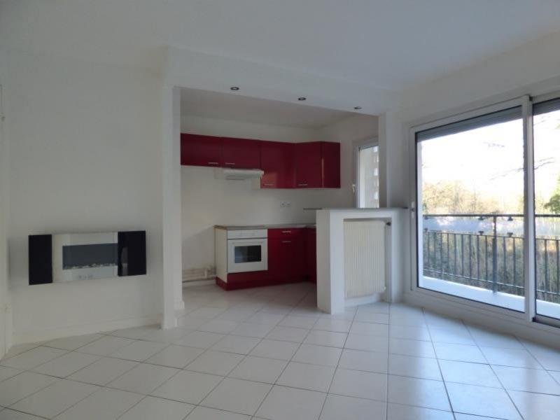 Sale apartment Les essarts le roi 150000€ - Picture 2