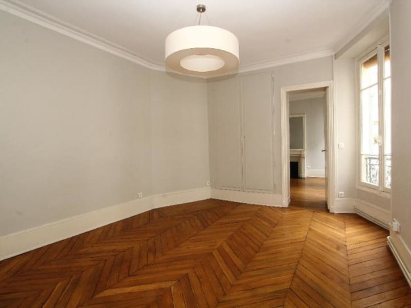 Location appartement Paris 6ème 1 916€ CC - Photo 1