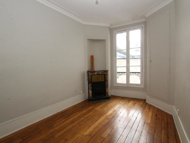 Location appartement Paris 6ème 1 916€ CC - Photo 2