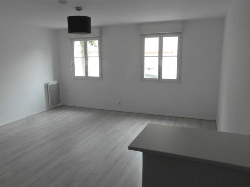 Sale apartment Vaureal 172 000€ - Picture 2