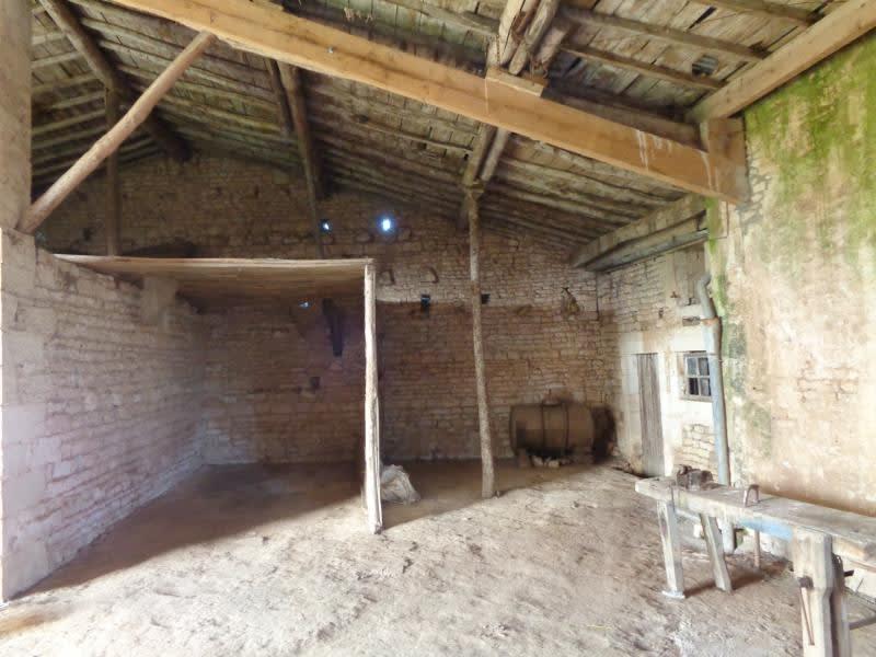 Vente maison / villa Vouille 210000€ - Photo 8