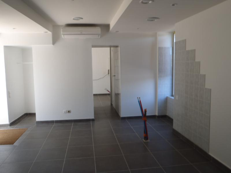 Location local commercial Arnas 560€ HC - Photo 2