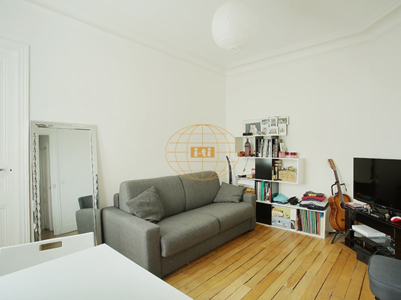 Sale apartment Paris 18ème 425 000€ - Picture 2