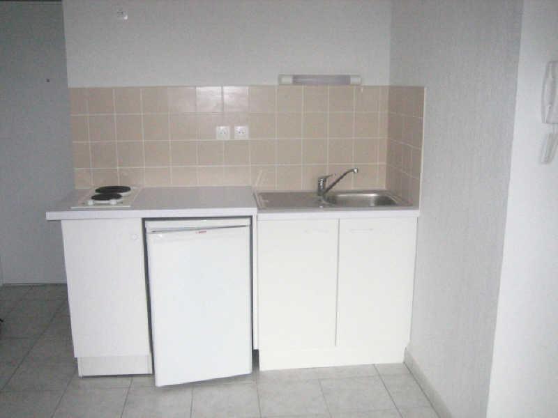 Rental apartment Cenon 470€ CC - Picture 2
