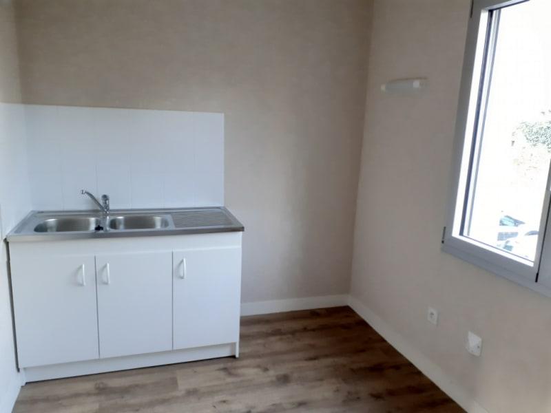 Location appartement Quimperle 375€ CC - Photo 2