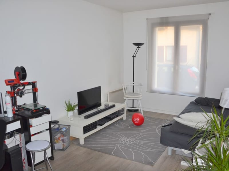 Rental apartment Cergy village 717€ CC - Picture 2