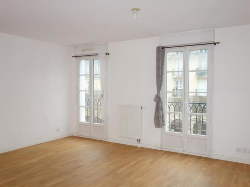 Rental apartment Chessy 1 180€ CC - Picture 1