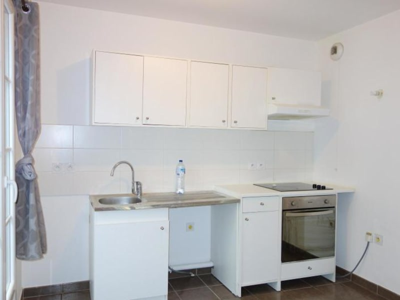 Rental apartment Chessy 1 180€ CC - Picture 2