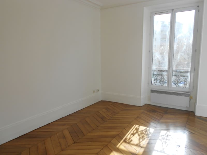 Location appartement Levallois perret 1 340€ CC - Photo 2