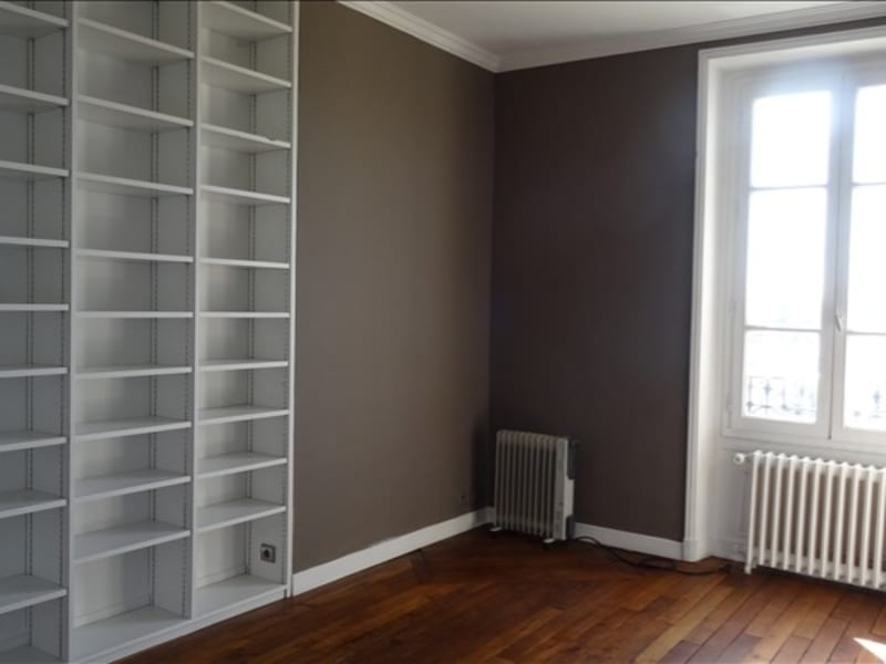 Location appartement Versailles 1 084€ CC - Photo 1