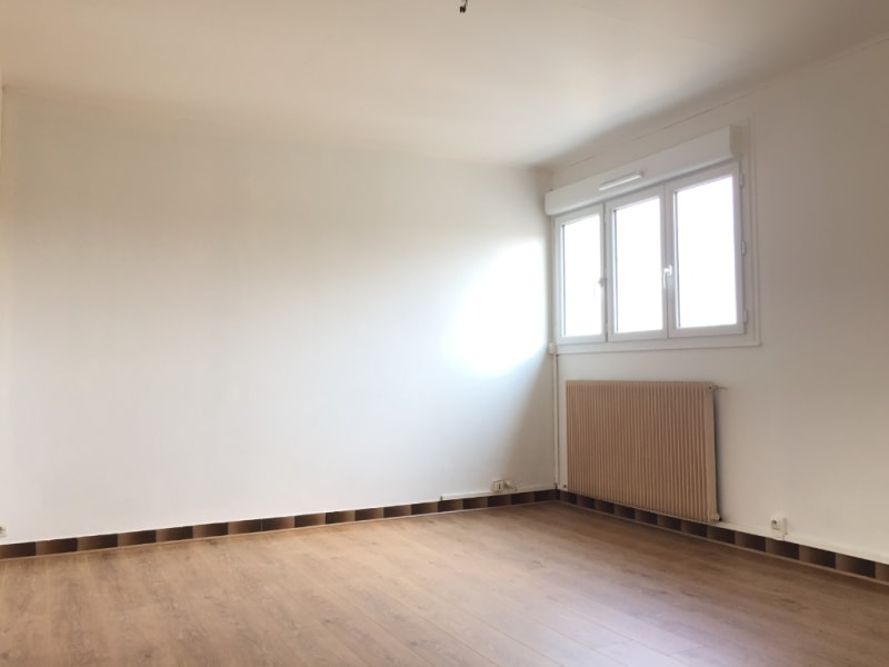 Location appartement Pierrelaye 649€ CC - Photo 1