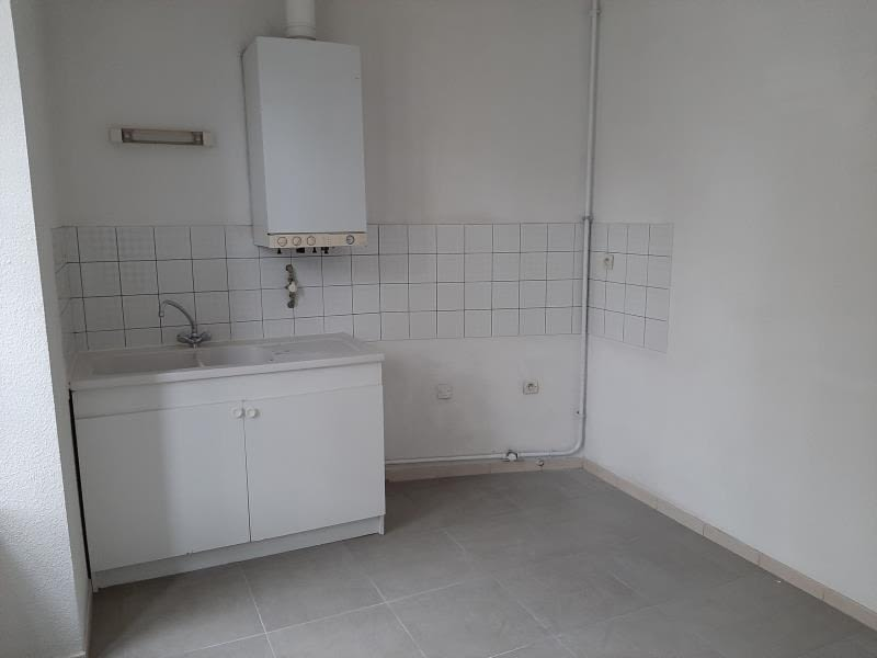 Location appartement Carcassonne 495€ CC - Photo 3